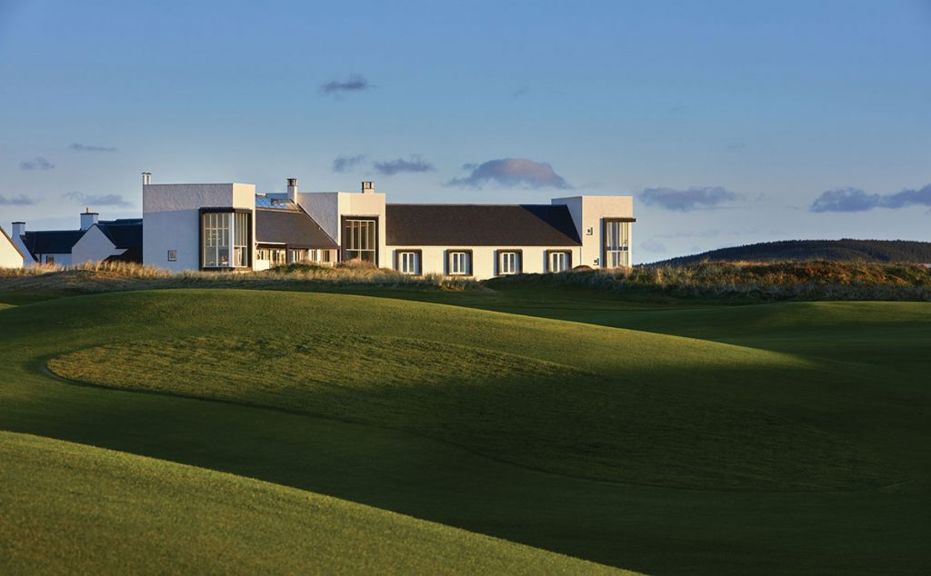 The newly refurbished and extended Machrie Hotel overlooking its links