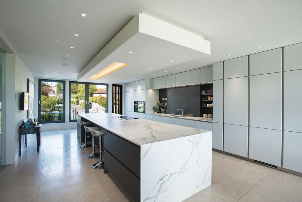 marble-and-white-kitchen