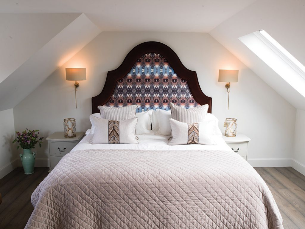bedroom-with-patterened-headboard