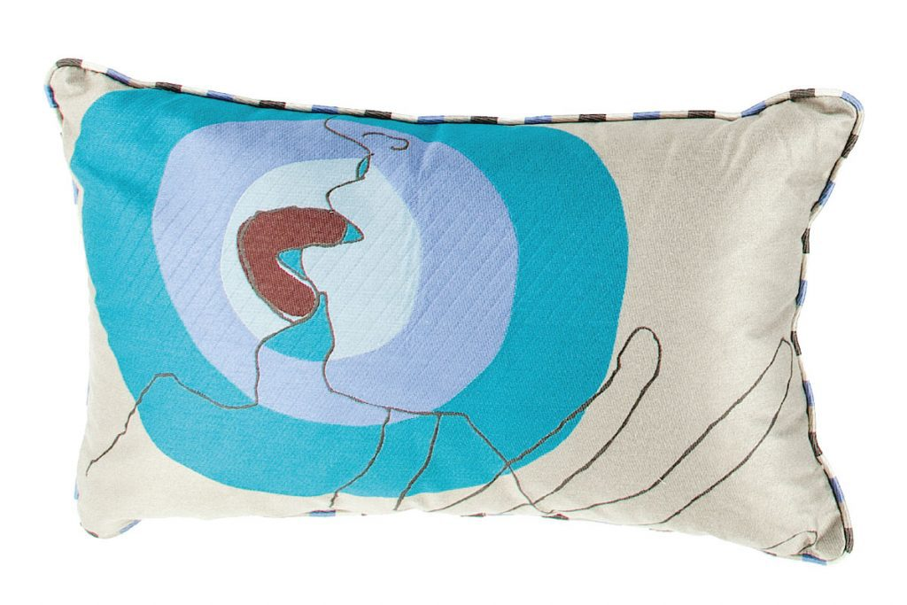 two-faces-cushion