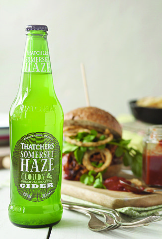 Thatchers Somerset Haze with Pulled Chicken Burger_lr