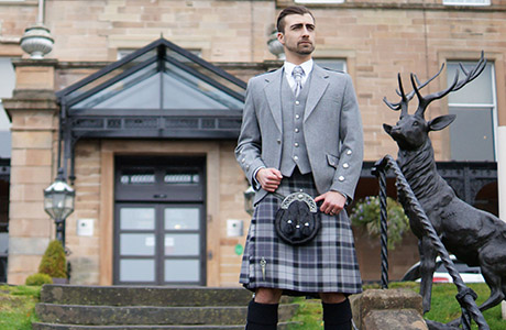 House of Henderson - Spirit of Stirling outfitWEB