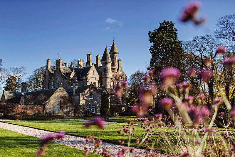 The scenic Carlowrie Castle is sure to charm wedding guests with fine dining served up by creative caterers Wild Thyme.