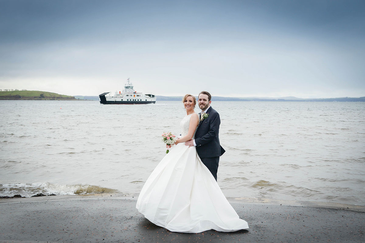bride-and-groom-by-the-sea