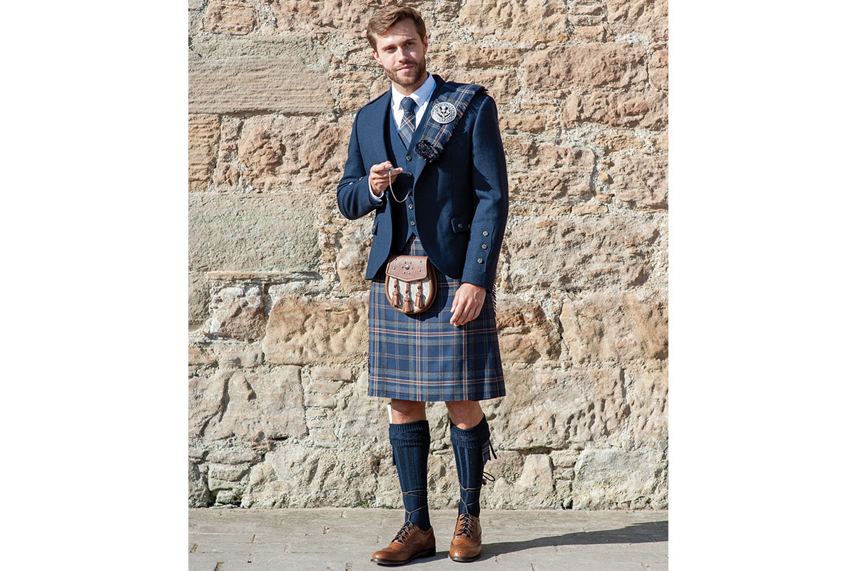 Macgregor-and-Macduff-blue-tweed-kilt-outfit