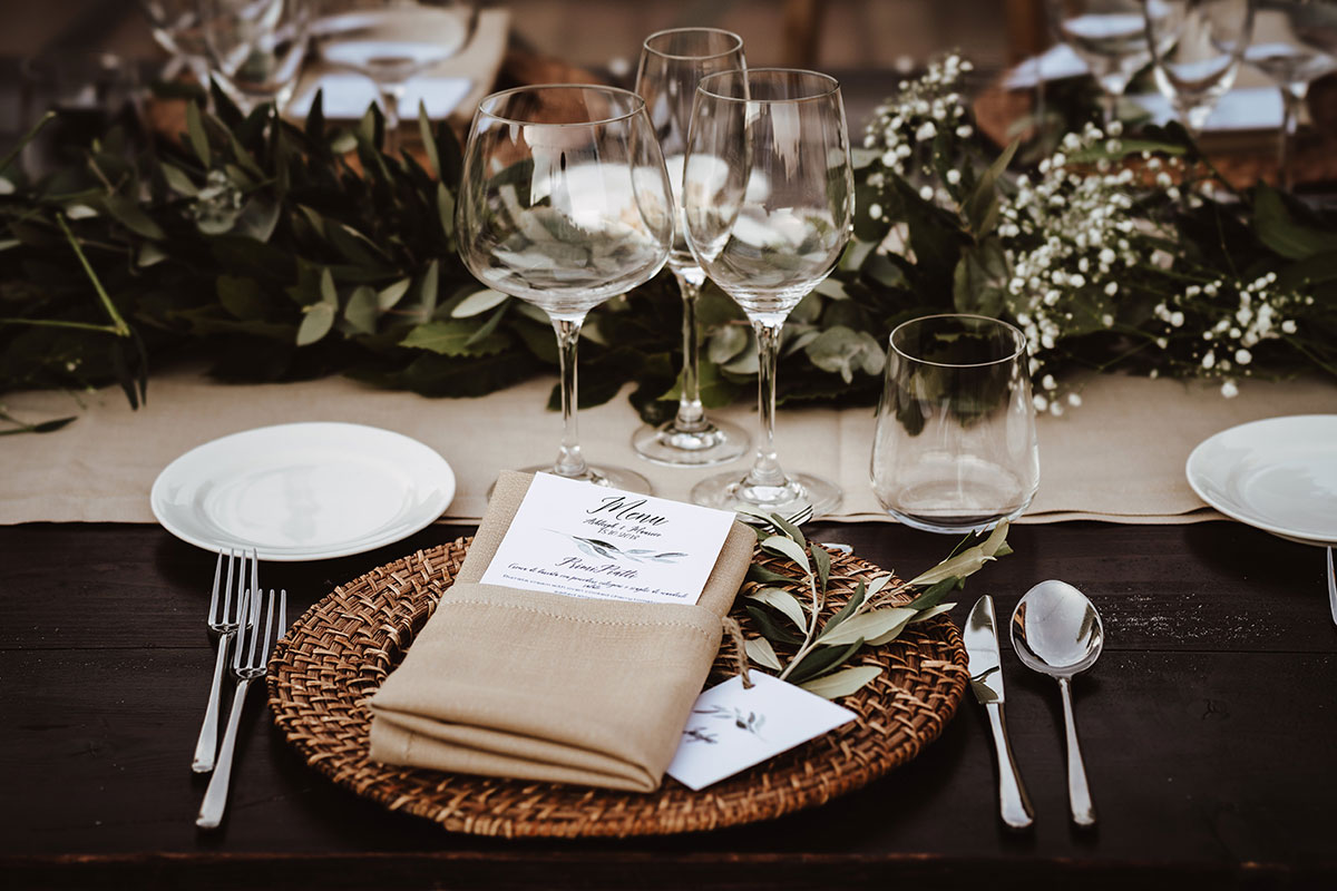 table-setting-with-rustic-foliage