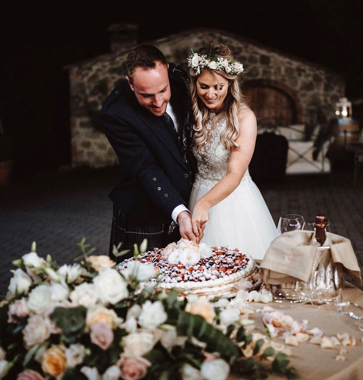 bride-and-groom-cutting-the-cake