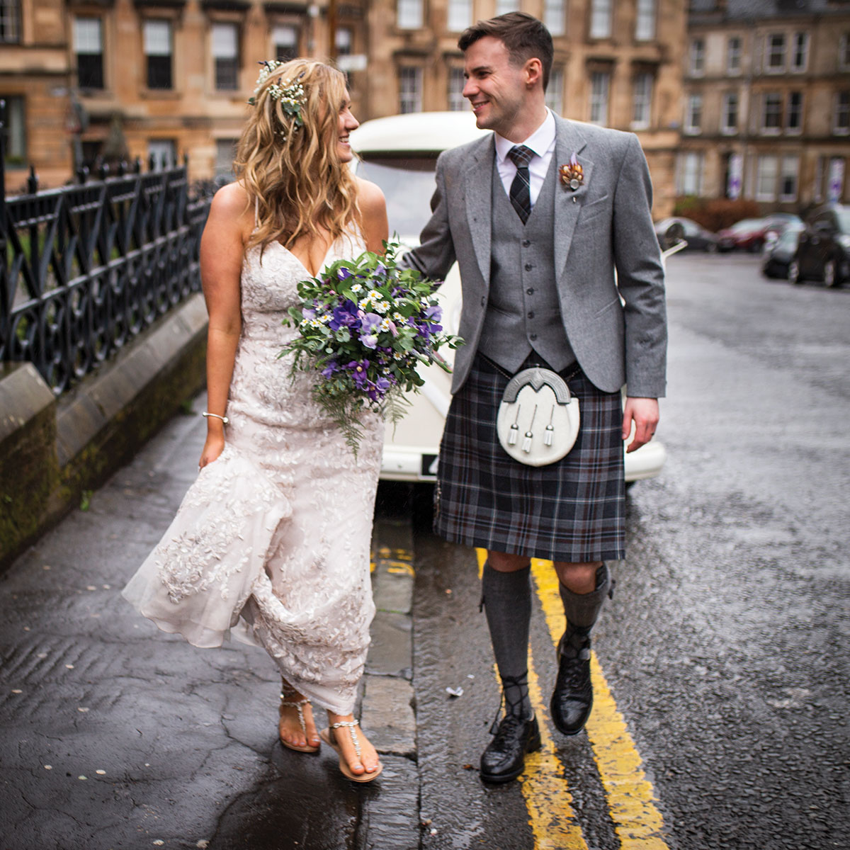 bride-and-groom-in-the-west-end-of-glasgow
