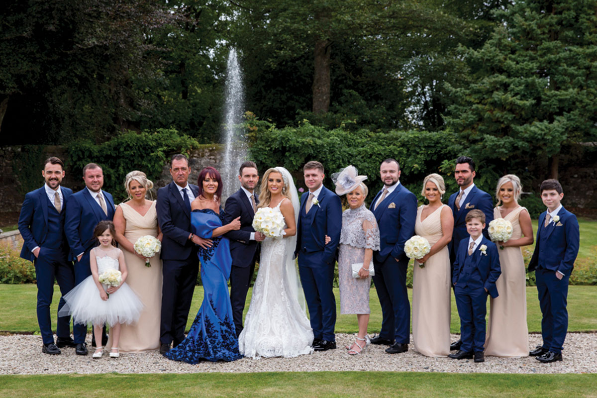 bridal-party-in-castle-grounds