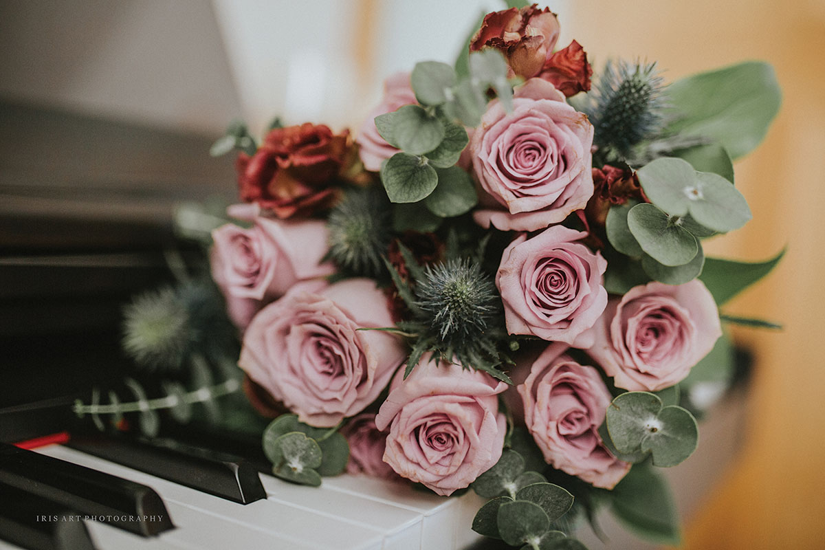 pink-rose-bouquet-with-eucalpytus
