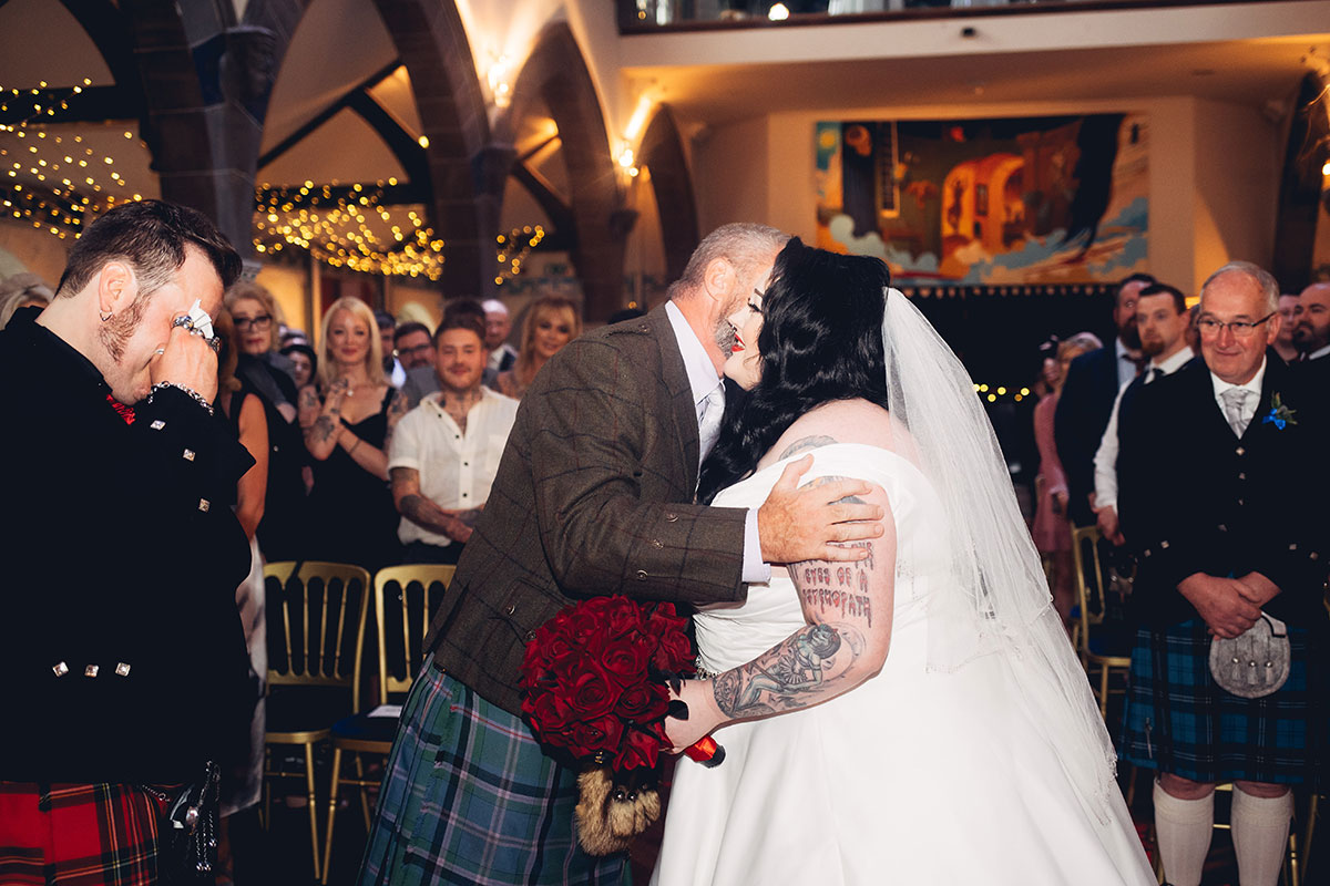 dad-giving-bride-away-at-the-top-of-the-aisle