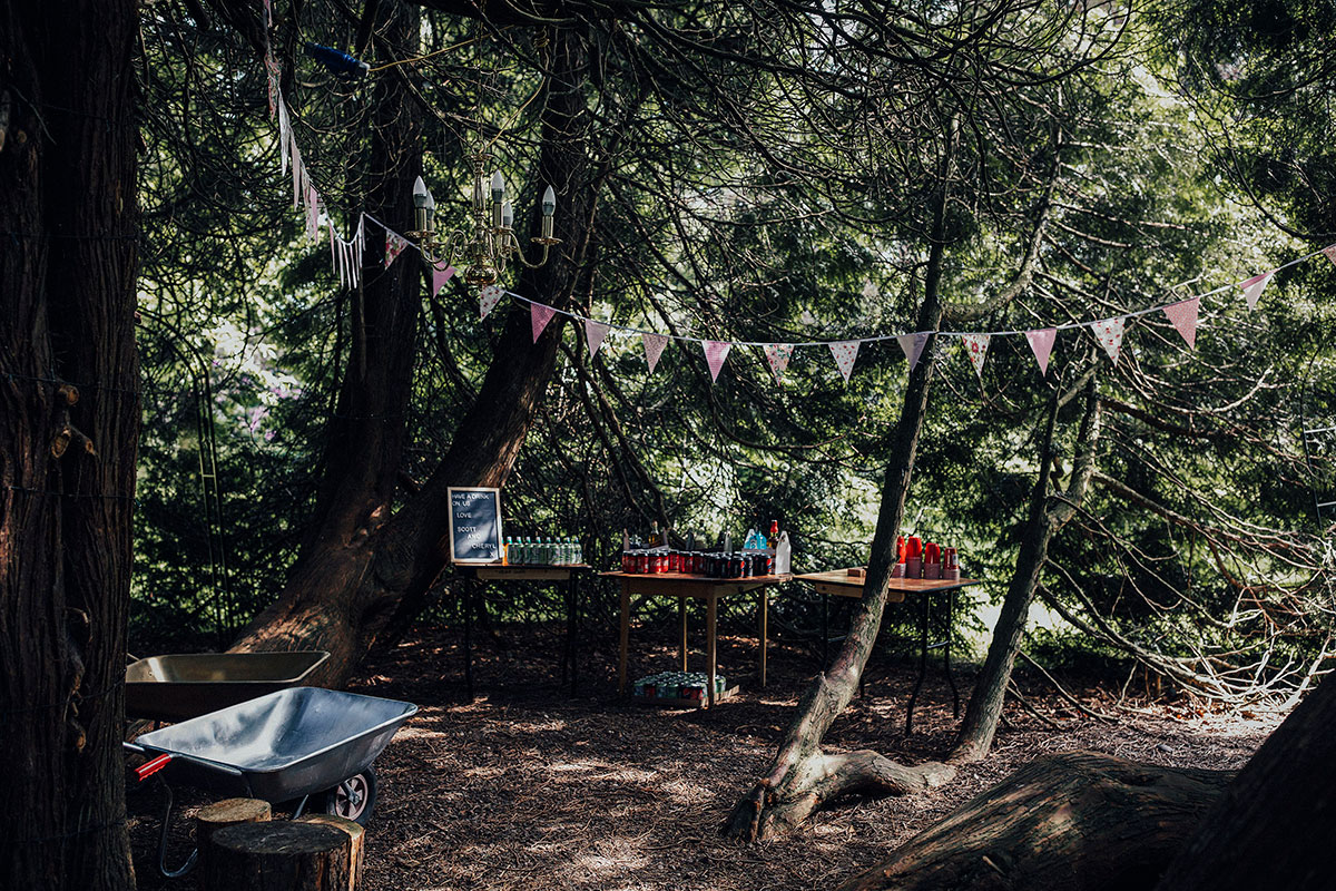 drinks-reception-set-up-in-the-forest