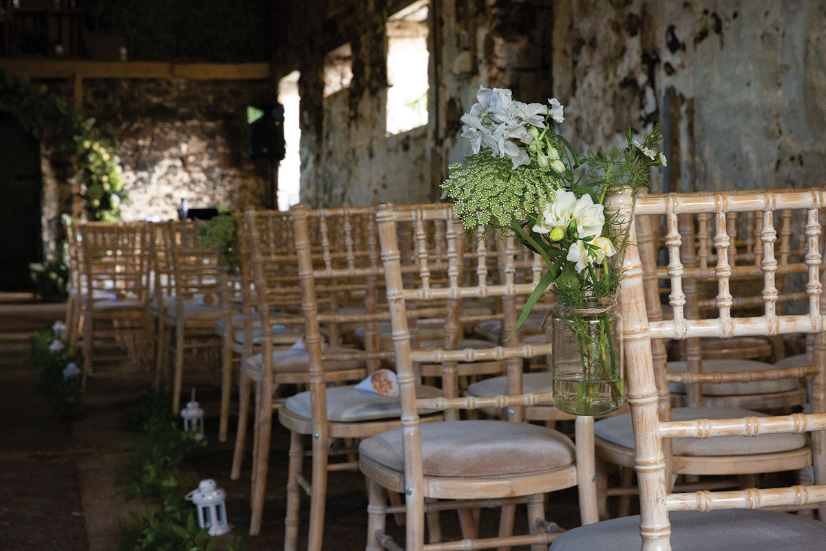 flowers-on-the-back-of-wedding-chairs