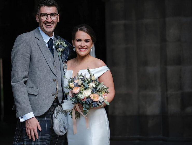 _newlywed-wedding-couple-smiling-at-glasgow-university