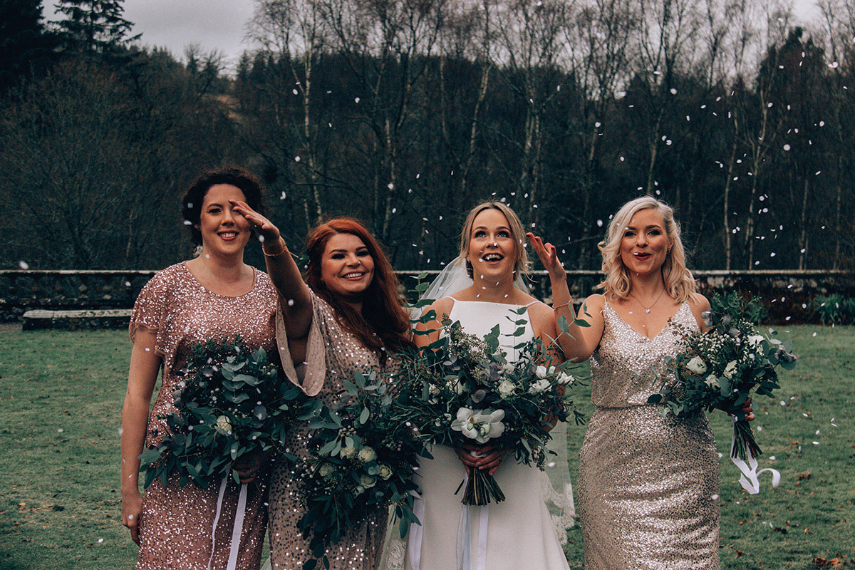 Bride and bridesmaids' bouquets by To A Mountain Daisy