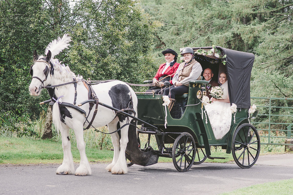 Carrbridge Carriage Driving wedding horse and carriage with bride and father of the bride