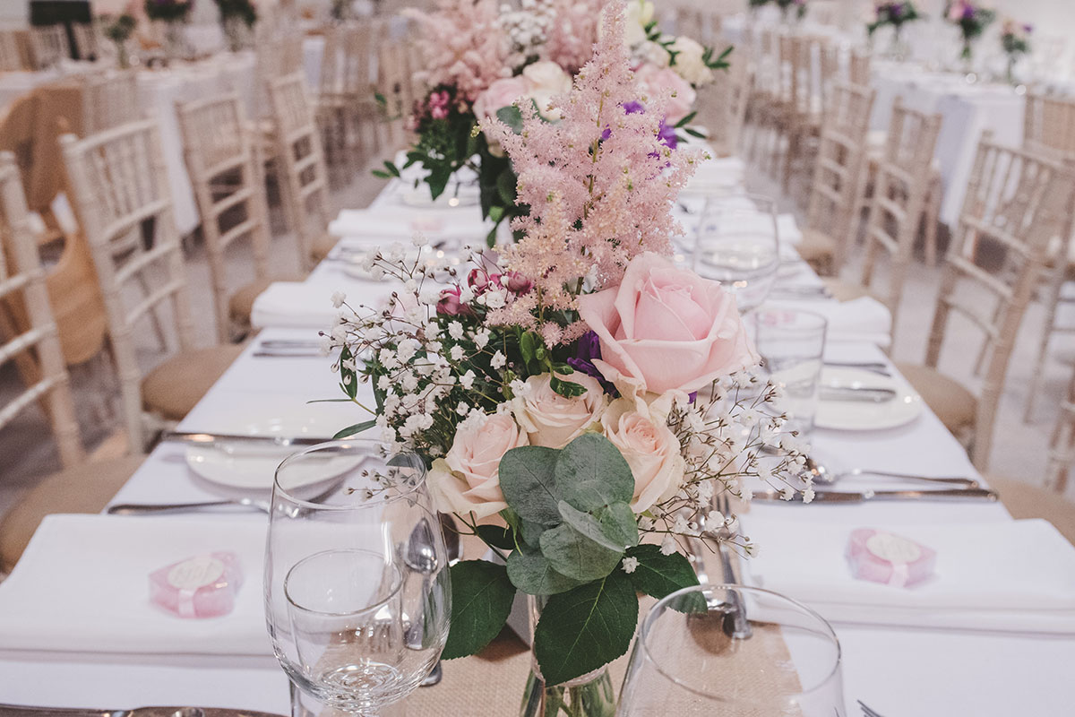 table flowers at Aswanley by Isla Duncan Florist