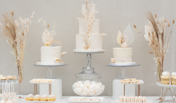 Liggy Cake Company pampas grass cake and dessert table