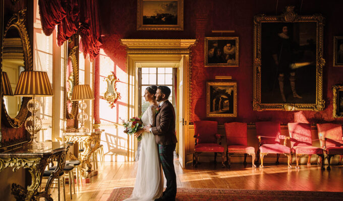 bride and groom at Hopetoun House