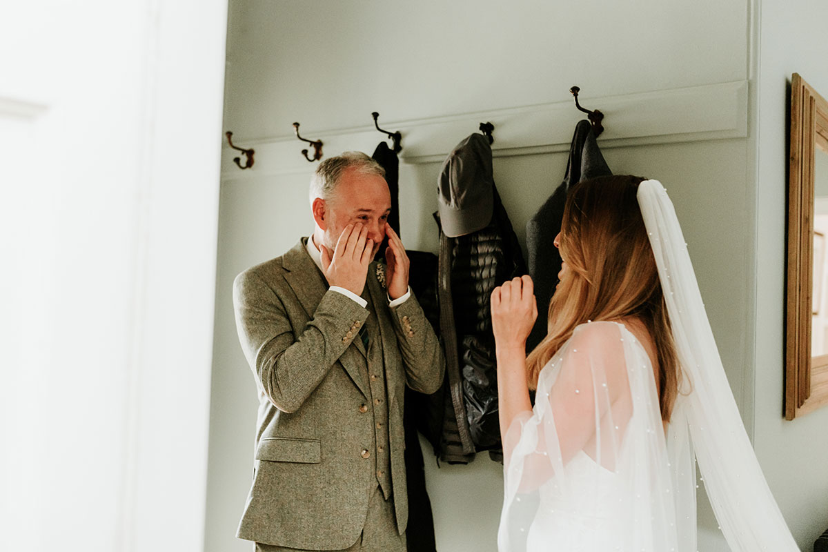 dad emotional seeing bride for first time